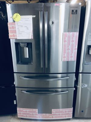 Samsung 4 doors stainless steel refrigerator for Sale in Columbus, OH