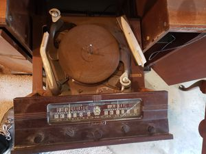 Free 1947 antique Packard Bell Radio for Sale in Everett, WA