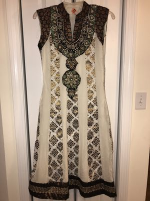 Shalwar Kameez suit for Sale in Boston, MA