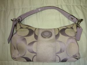 Authentic Coach hand bag (lavender) LIKE NEW for Sale in Lynchburg, VA