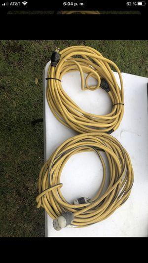 2 extensiones 1 de 100 f y la otra de 50f for Sale in Visalia, CA