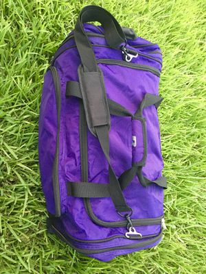 Purple Duffle Bag (Russel Brand) NEGOTIABLE Sports Bag for Sale in Stafford, TX
