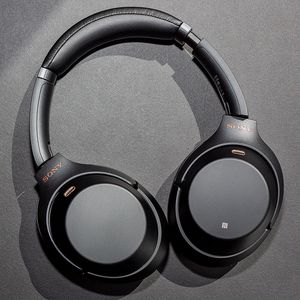 Sony WH XM -1000M3 noise cancelling headphones for Sale in Chicago, IL