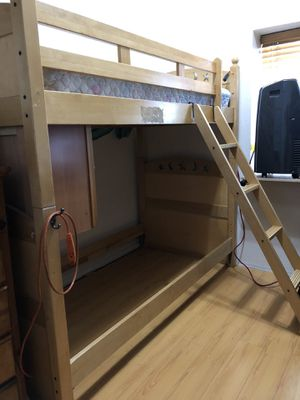 Sturdy Twin Bunk Bed!!! for Sale in Los Angeles, CA