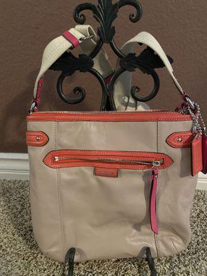Coach purse for Sale in Alta Loma, CA