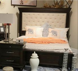 $39 Down Payment 💳SPECIAL] Brynhurst Dark Brown Upholstered Panel Bedroom Set for Sale in Laurel,  MD