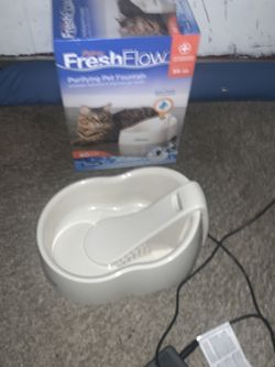 Cat Or Dog Electric Water Bowl With Charcoal Filter for Sale in Snoqualmie Pass,  WA