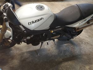 Triumph street triple 675 Street bike update pictures for Sale in Gresham, OR