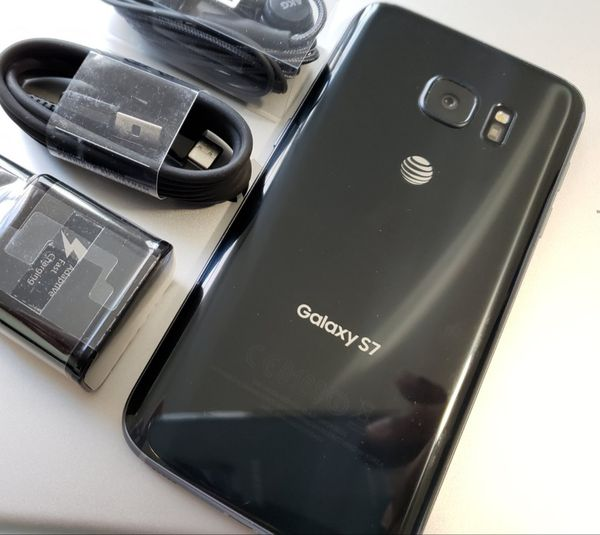 Samsung Galaxy S7 , UNLOCKED for All Company Carrier ,  Excellent Condition like New