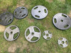 Olympic weights - 2.5 lbs - 45 lbs (190 lbs) for Sale in Snohomish, WA