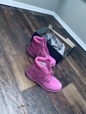 Timberland (PINK) Junior's/Juniors Size 7 for Sale in Decatur, GA