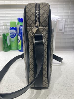 Gucci Messenger Bag for Sale in Los Angeles, CA