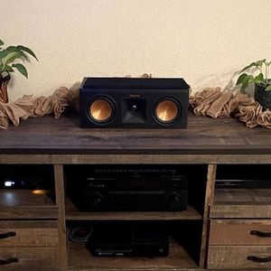 Klipsch Tower Speakers Rp 250f & Center Channel RP 250-C for Sale in Hanford, CA