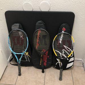 Tres Maletas Con Sus Raquetas En Buenas Condiciones En 35 dólares Por Las Tres Con Sus Raquetas for Sale in Pasadena, TX