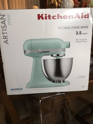 New in box kitchen aid Artisan mini for Sale in Hialeah, FL
