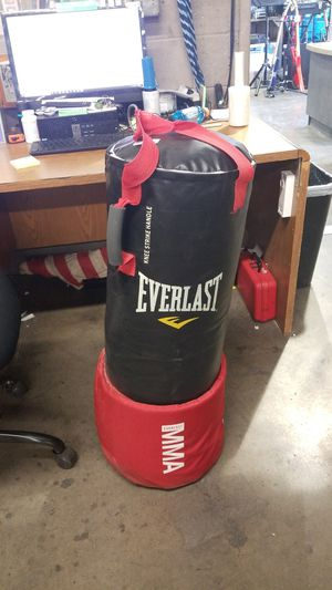 Everlast MMA punching bag for Sale in Surprise, AZ
