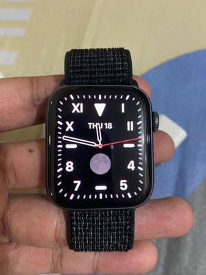Apple watch series 4 , 44mm for Sale in Argyle, MO