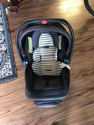 Gracias infant car seat for Sale in Sacramento, CA