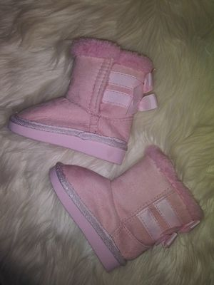 Baby girl size 4 pink suede boot for Sale in Medford, MA
