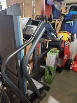 Nordictrack C 2000 treadmill for Sale in Hesperia, CA