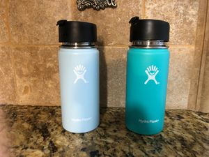 Used Hydroflasks (Set of 2 with Lids) for Sale in Diamond Bar, CA