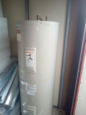 50 gall electric water heater for Sale in Daytona Beach, FL