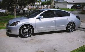 2008 Nissan Altima price $1000 for Sale in Minneapolis, MN