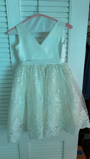 Girls flower girl dress- sizing info included in pictures for Sale in Atlanta, GA