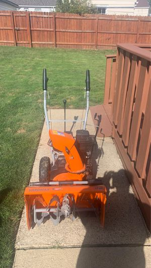 Yard max 22'' snow blower for Sale in Bedford, OH