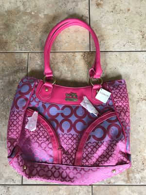 NWT-COACH Purse Pink for Sale in Wayne, IL