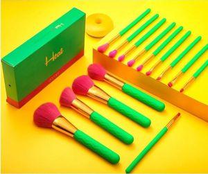 Docolor heat make up brush set for Sale in Porter, TX