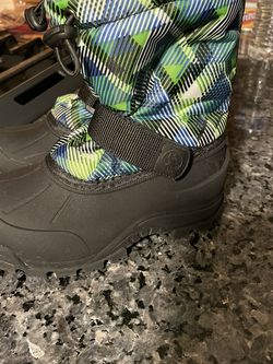 Snow Boots (kids) Size 10 for Sale in Salinas,  CA