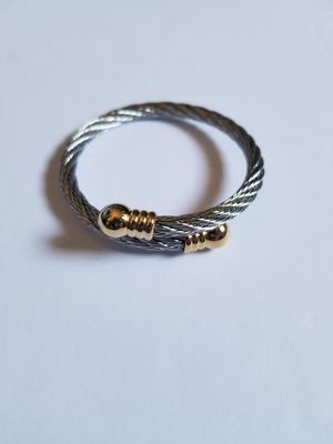 Silver Wire Design Bracelet Gold Ends for Sale in Los Angeles, CA
