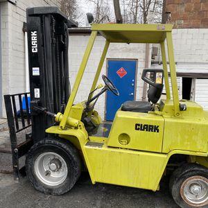 Clark Forklift for Sale in North Brunswick Township, NJ