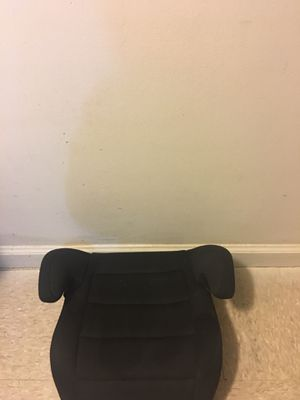 Kids backless booster car seat..... Used ..... but in good condition.... price is negotiable.... for Sale in Woodbridge Township, NJ