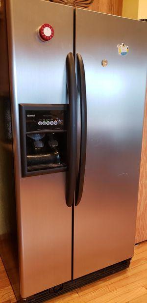 Sears Kenmore 2 door refrigerator for Sale in Silverdale, WA