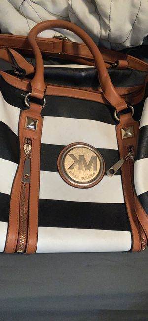 Michael Kors hand bag for Sale in Hilliard, OH