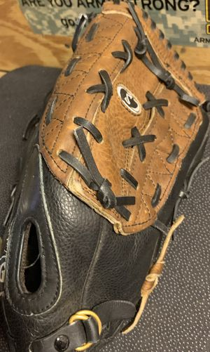 Spalding 14 inch leather baseball glove right hand throw for Sale in Phoenix, AZ