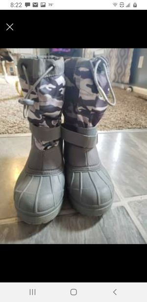 Youth Columbia snow boots for Sale in Morgantown, WV
