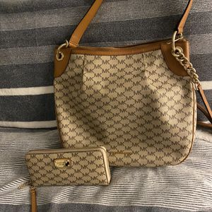 Michael Kors purse and wallet for Sale in Delray Beach, FL