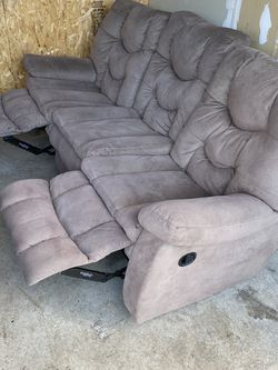 Couch Recliner for Sale in Spanaway,  WA