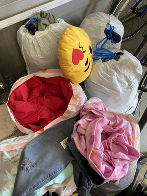 Misc. stuff (5 bags of clothes, decorative pillow, hair dryer, lamp shade, shaver, 30 pairs of shoes and slippers etc) for Sale in Clovis, CA