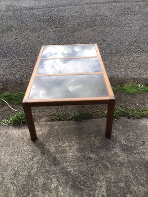 End table for Sale in Puyallup, WA