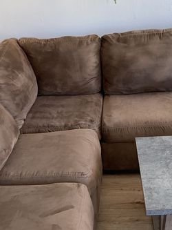 L Shape Sectional With Chaise for Sale in Castro Valley,  CA