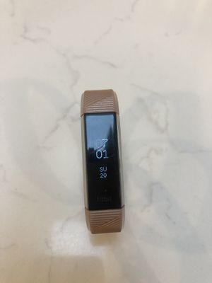 Fitbit Alta HR with 10 different bands for Sale in Redmond, WA