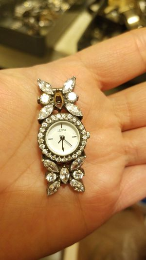 LENOX STERLING WITH CRYSTAL BROKEN WATCH for Sale in Springfield, VA
