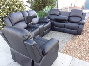 Sofa reclinable disponible 3pcs for Sale in Los Angeles, CA