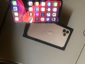 iPhone 11 pro max for Sale in Tippecanoe, OH