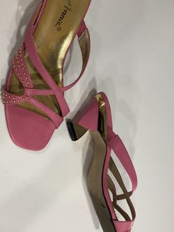 Pink Sandals With Funky Heel. Size 8 for Sale in Casselberry,  FL