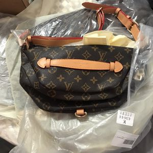 Louis Vuitton Fanny Bag for Sale in Riverside, CA
